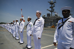 Sailors man the rails as USS George Washington (CVN 73) departs Yokosuka, May 24. (U.S Navy/MC3 Paolo Bayas)