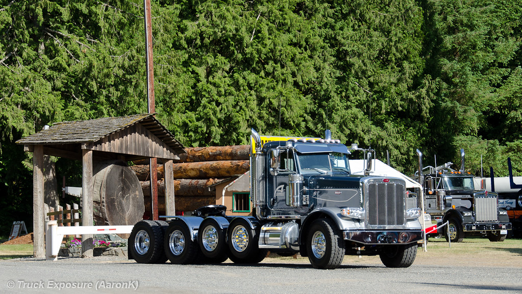 Truck exposures most recent flickr photos picssr low boy service peterbilt 388 sciox Image collections
