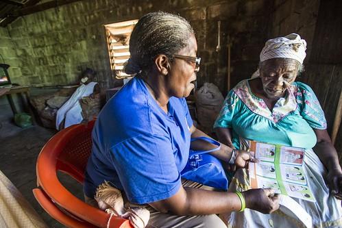 woman america community education child birth honduras health latin elder volunteer awareness prevention transmission tb global infection midwife fund tuberculosis globalfund nuevaarmenia