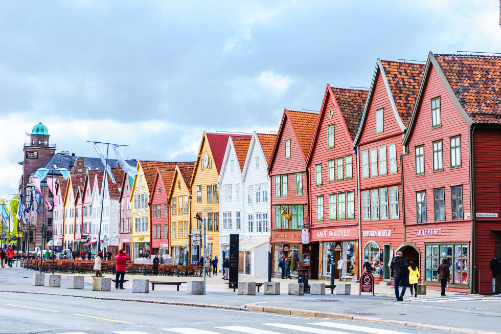 adaymag-stunning-photos-that-prove-bryggen-norway-is-the-ultimate-storybook-town-07