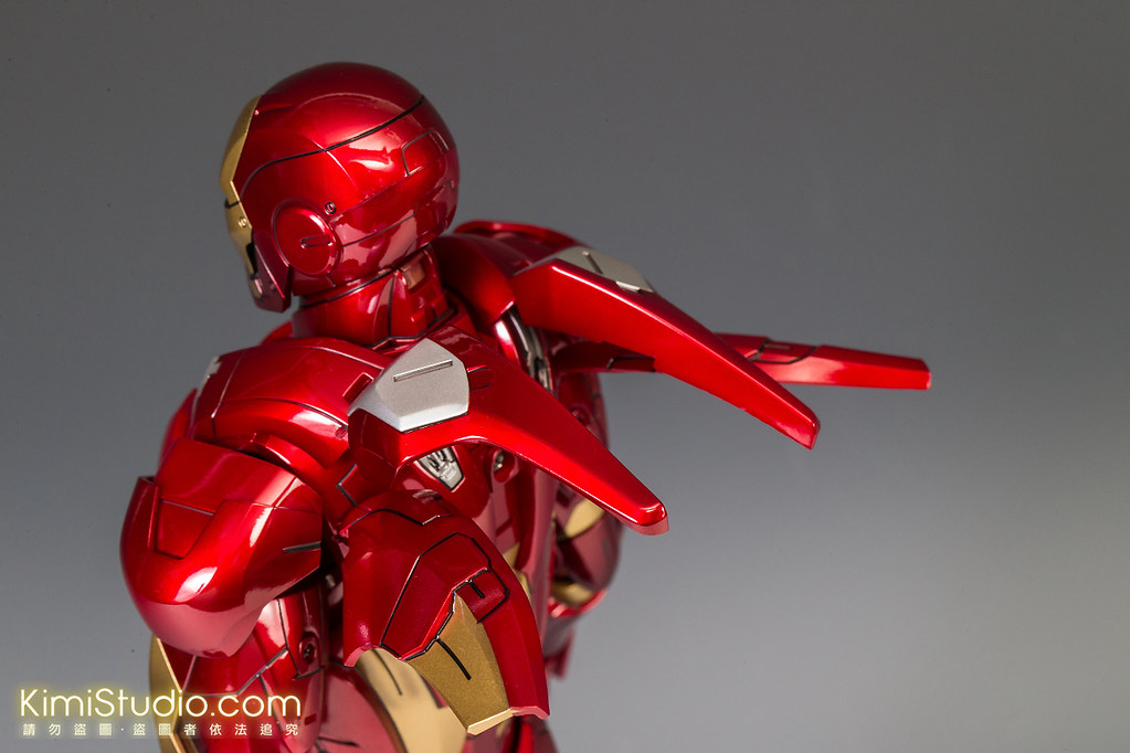 2013.06.11 Hot Toys Iron Man Mark VII-026