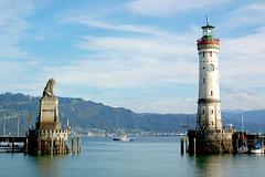 Lindau - Hafeneinfahrt mit Löwen und Leuchtturm