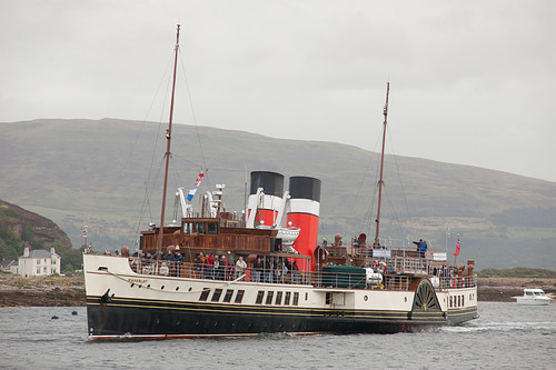 PS Waverley arriving at Millport