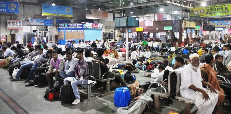 45 Estacion C.S.T. por la noche, Mumbai (112)