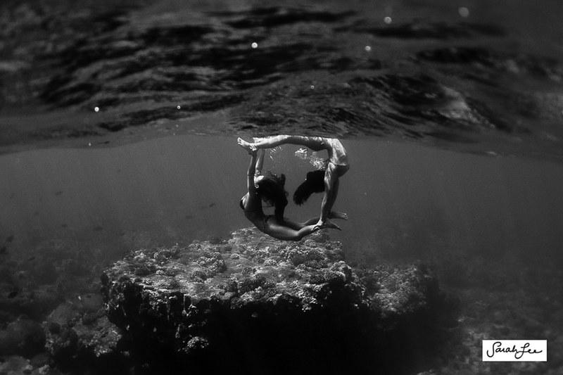 sarahlee_sisters_underwater_1343.jpg