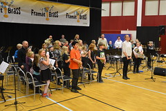 Framåt Brass-orkestern med dirigent Matilda Forsberg