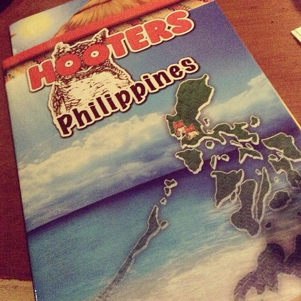 Hooters restaurant menu shows the Philippine map  wow!! #hooters #philippines #map #restaurant #dining  #itsmorefuninthephilippines  #govisitphilippines #maehabasolo