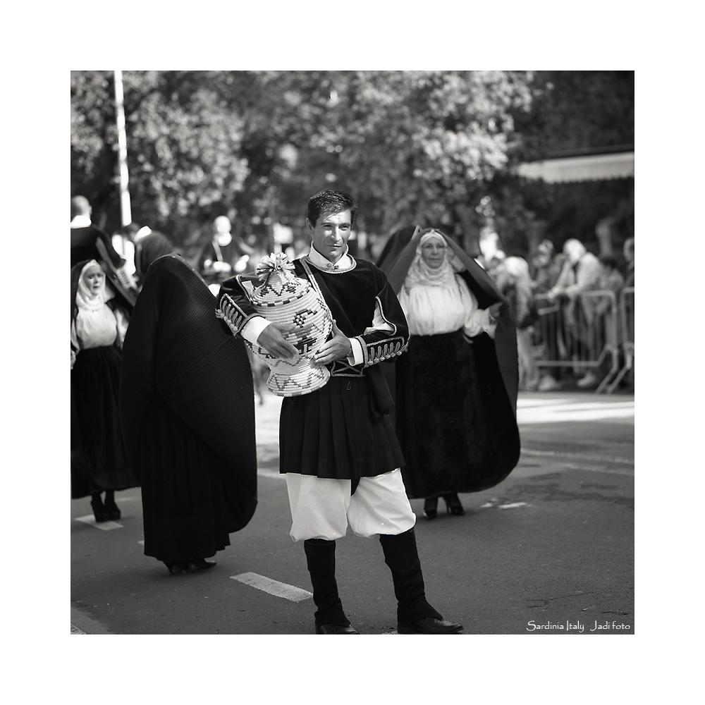 Cavalcata Sarda Parade (6x6 film)