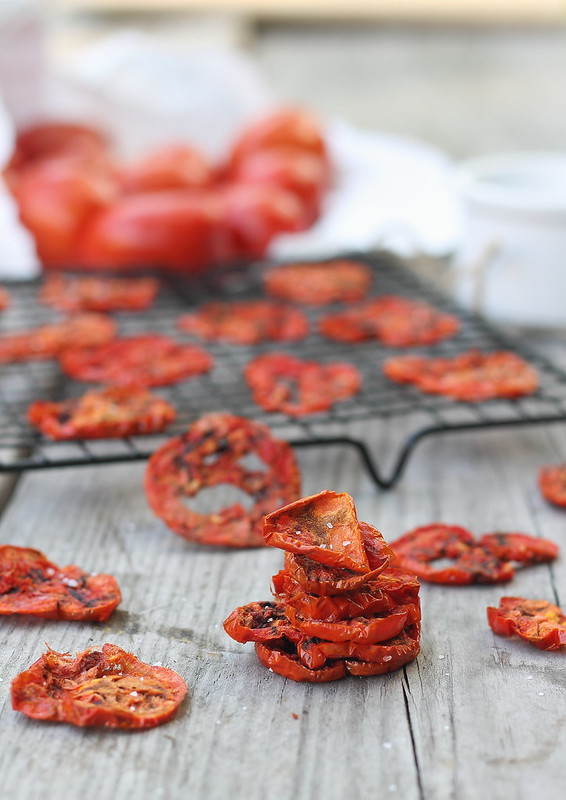 Tomato Chips | runningtothekitchen.com