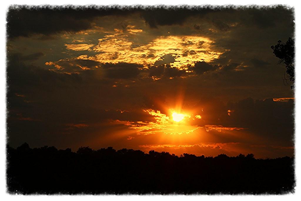IMAGE: http://farm4.staticflickr.com/3798/9657851021_bee3837232_b.jpg