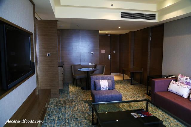 renaissance hotel johor bahru junior suite
