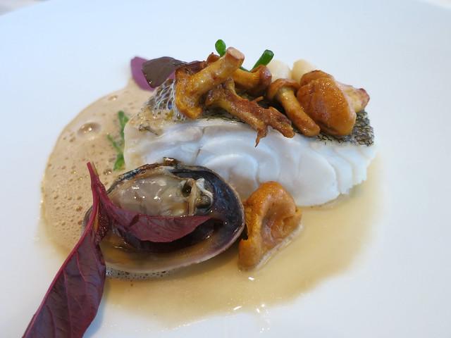 Fish with mushrooms and clam (Takao Takano)