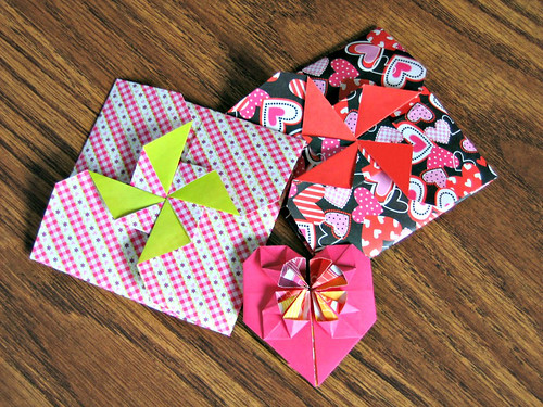 origami-mini-envelopes-heart