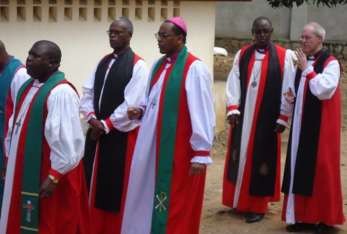 Archbishops Ntahtouri and Welby make their way to the cathedral