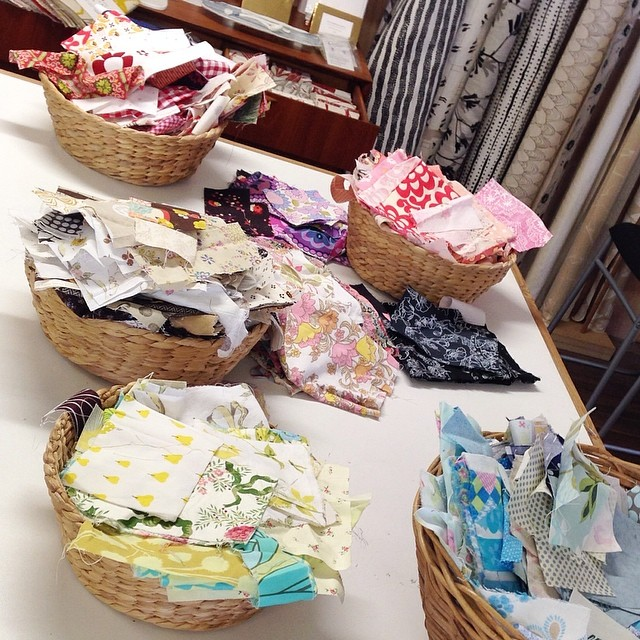Baskets of fabric, ripe for the picking! Teaching Freeform Patchwork with @handmakersfactory today but you can join me next weekend at @treehousetextiles