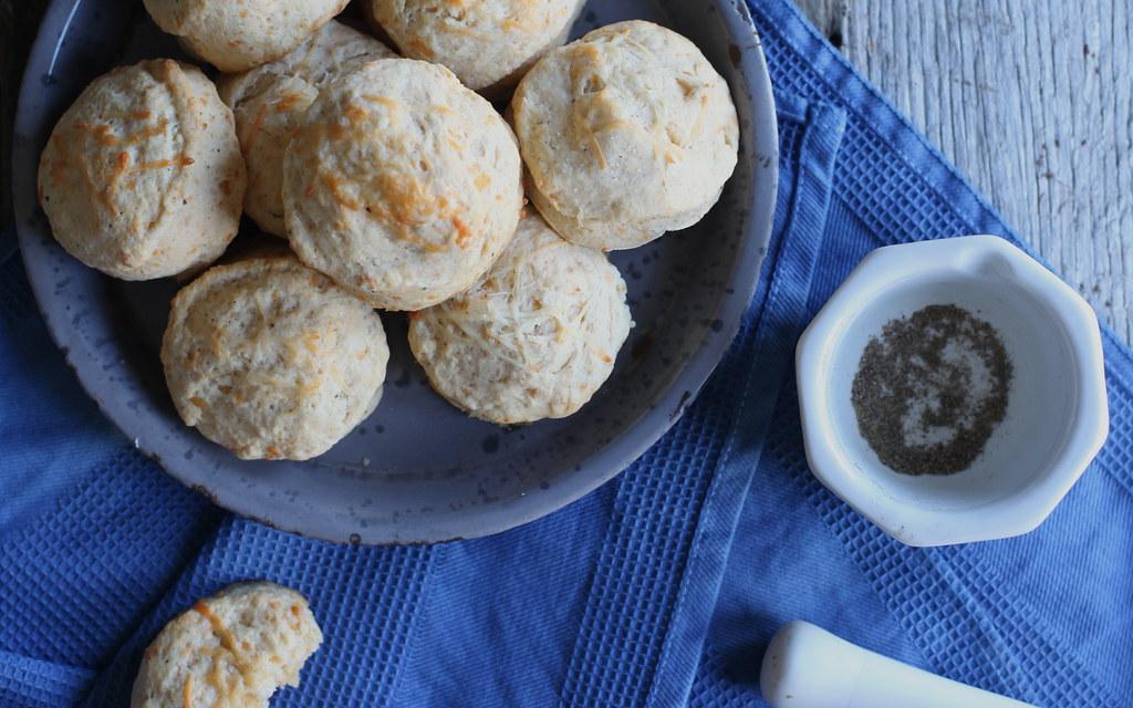 crack pepper + cheddar buttermilk biscuits