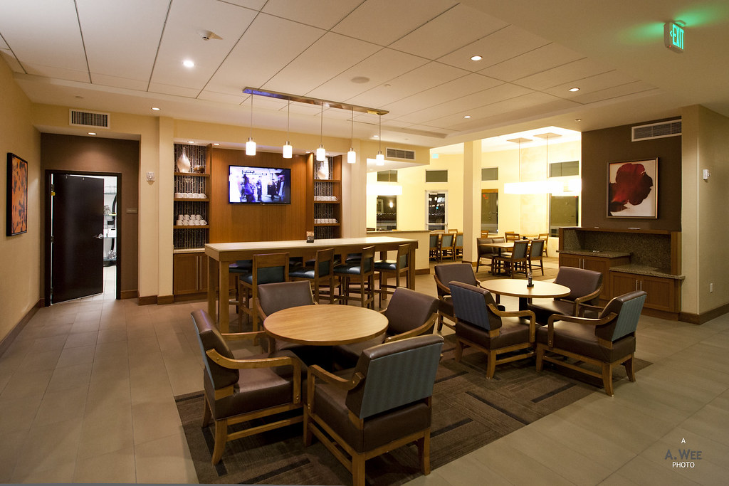 Dining area in the lobby