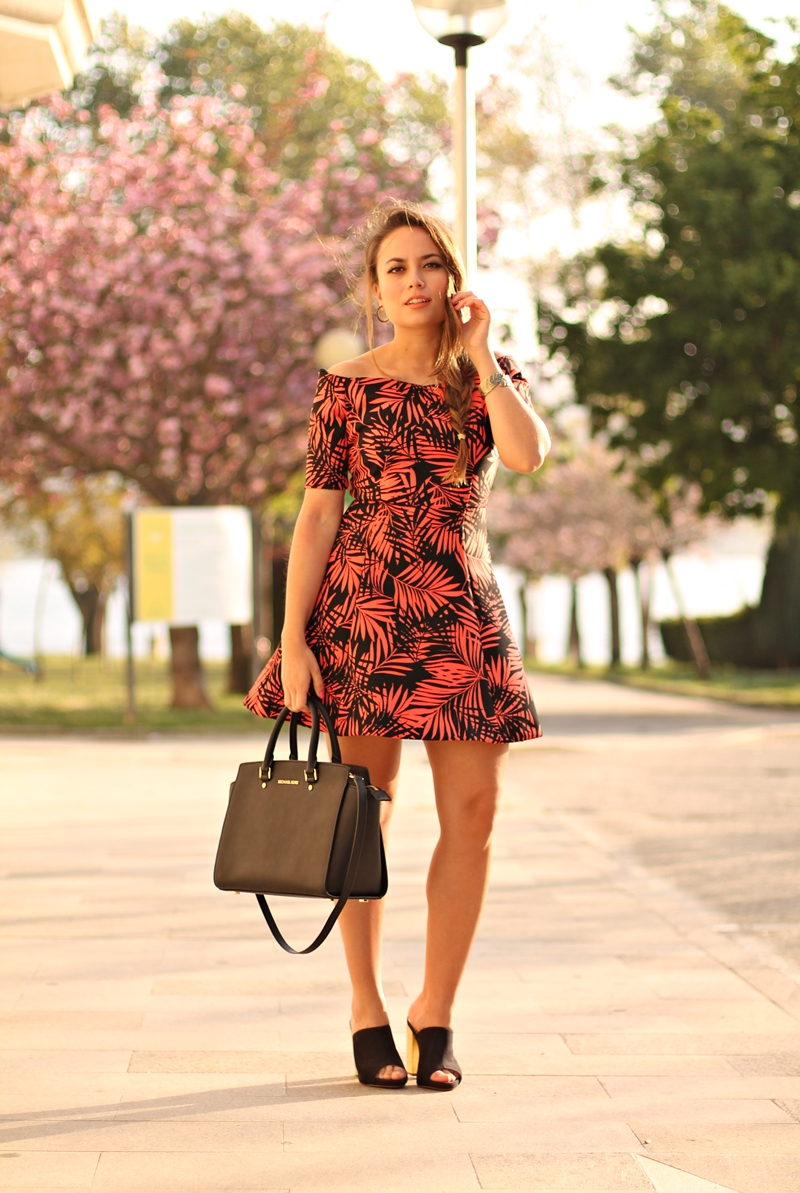 vestido zara palmeras naranja