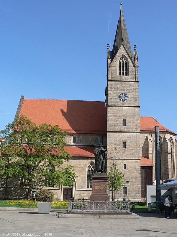 Lutherdenkmal vor Kaufmannskirche