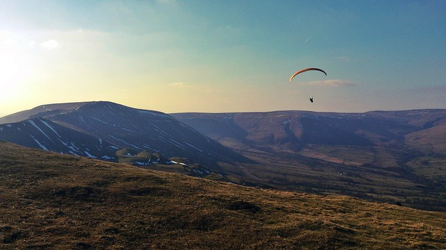 Paragliding in the peaks