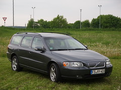 automobile, automotive exterior, family car, vehicle, volvo v70, full-size car, mid-size car, bumper, volvo cars, land vehicle,