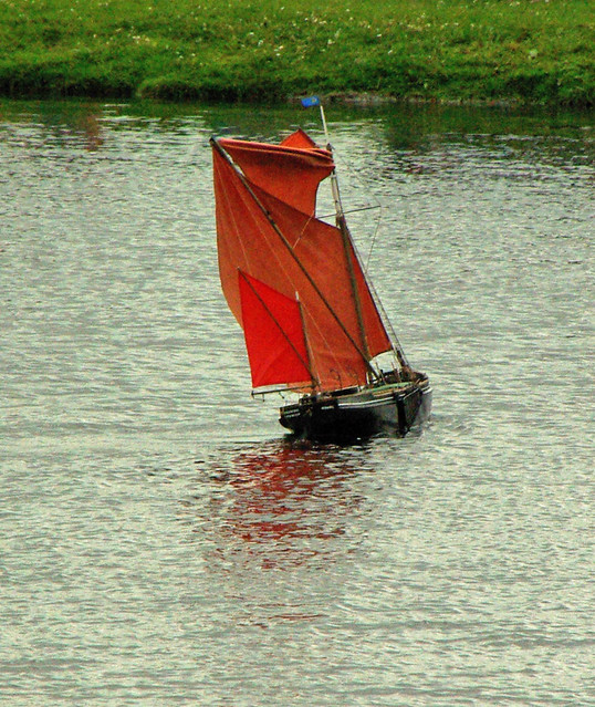 Model Thames Barge Tacking