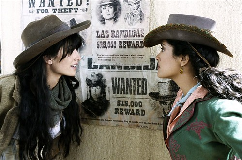 Penelope Cruz and Salma Hayek in western-outlaw gear in Bandidas