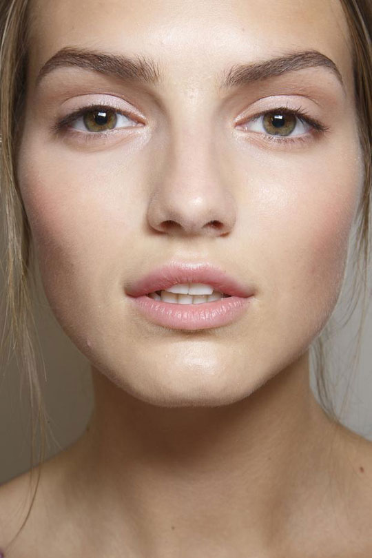HOW TO CAKE YOUR FACE WITHOUT MAKEUP