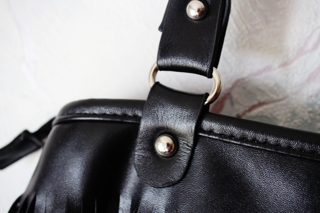 Cheap Friday, Ebay bargains, fashion blog, black fringed leather bag, ebay product review