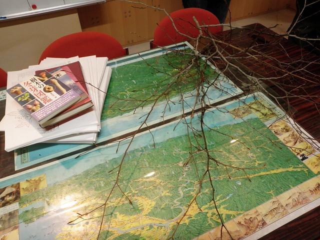 冬芽の図鑑を紹介していただいた.これを見ると植物用語もよくわかる.
