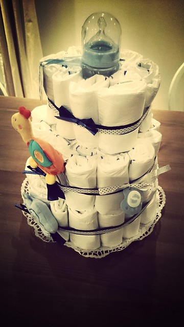 Wonderful present for Baby O from the neighbours: a diaper cake.