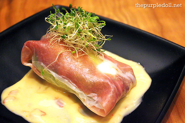 Spring Roll of Prosciutto, Avocado and Onsen Egg (P175)