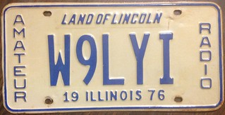 ILLINOIS 1976 ---AMATEUR RADIO LICENSE PLATE