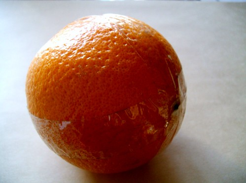 オレンジポマンダー リボンを巻く場所をセロテープでマスキング