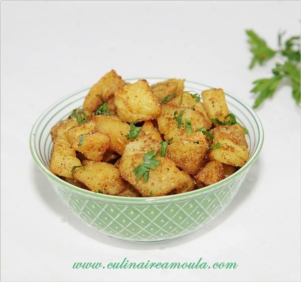 Pomme de terre au garam masala  http://www.culinaireamoula.com/article-pomme-de-terre-au-garam-masala-121835458.html