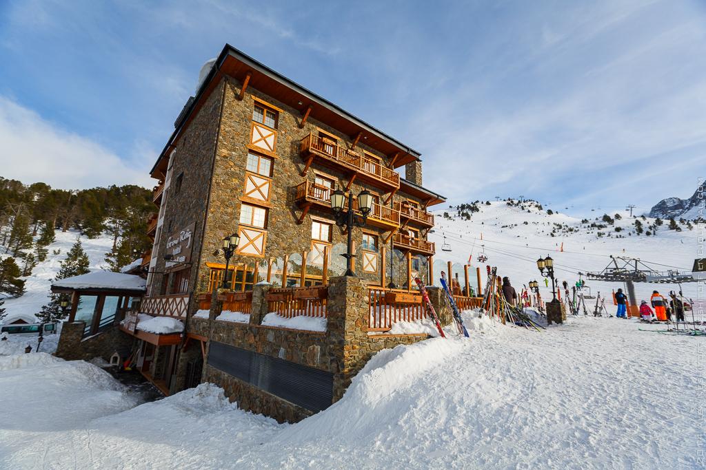 2014-Andorra-NY trip 2014-Ski Zone-019