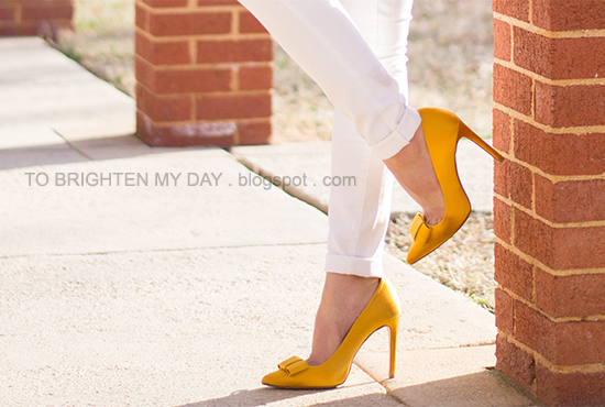 white jeans, yellow bow pumps