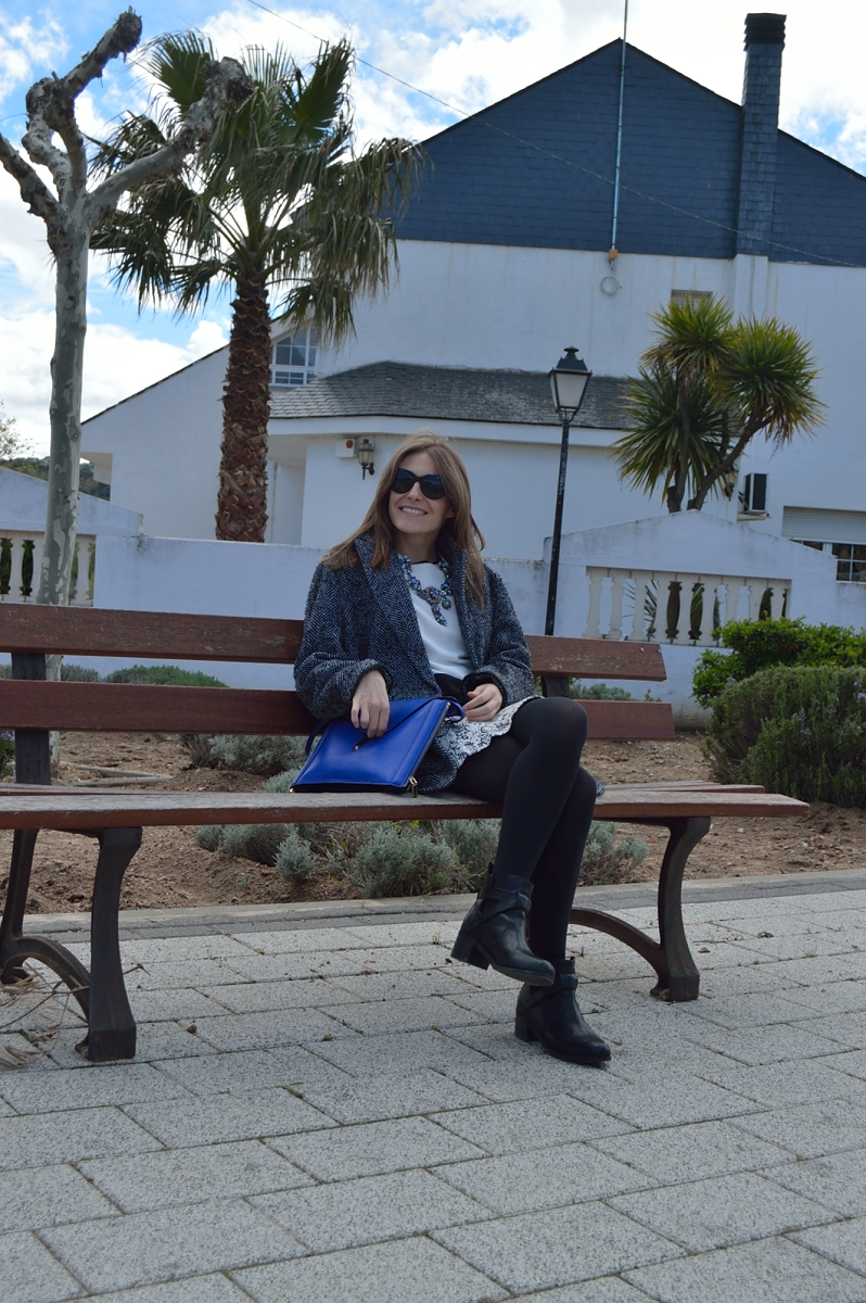 lara-vazquez-madlula-blog-look-blue-black