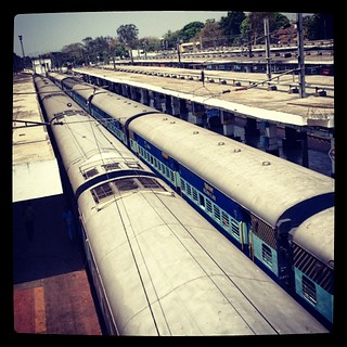 Longing to go..... #bengalisinhyderabad #travel #desitraveler #journey #train #station