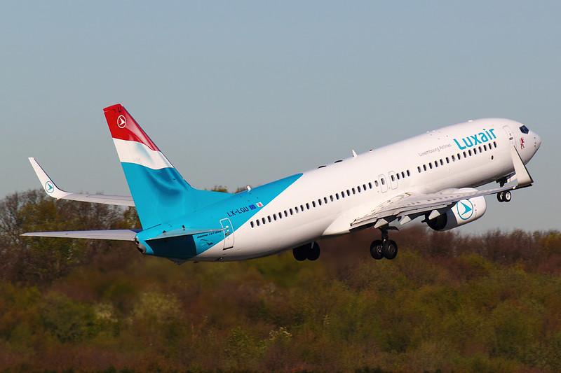 Luxair - B738 - LX-LGU (3)