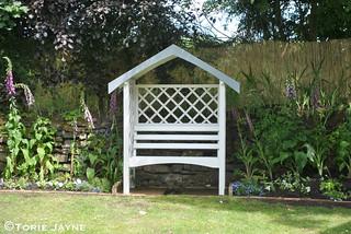 Garden Arbour Bench makeover