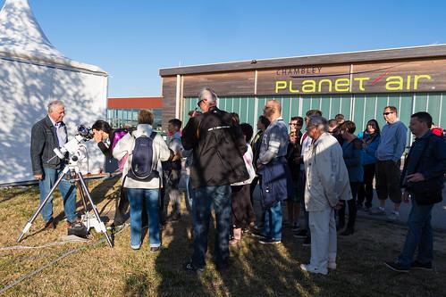 Le public se presse pour observer le Soleil au Lorraine Mondial Air Ballon