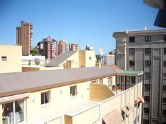 soleado toda la tarde. zona muy tranquila.En su inmobiliaria Asegil en Benidorm le ayudaremos sin compromiso. www.inmobiliariabenidorm.com