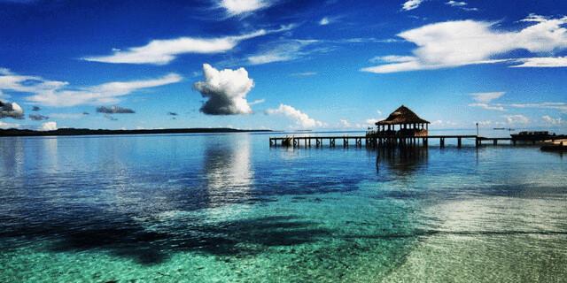 Pantai-Ora-di-Maluku