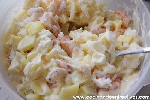 Ensaladilla de gambas www.cocinandoentreolivos (13)