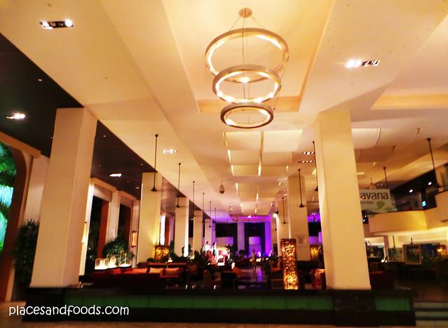 parkroyal penang batu ferringhi lobby at night