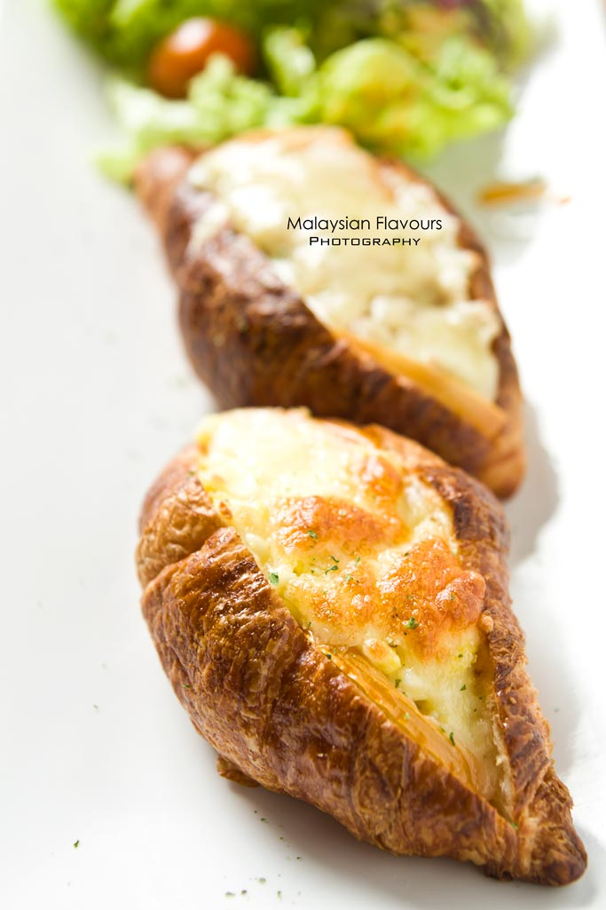 scrambled-egg-and-cheese-pocolina-on-mini-croissant