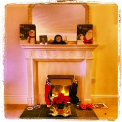 furniture(0.0), picture frame(0.0), christmas decoration(0.0), dollhouse(0.0), toy(0.0), fireplace(1.0),