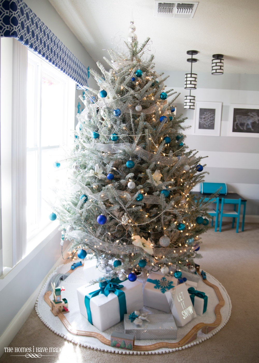 holiday living room 2013 002 - Silver And Blue Christmas Tree
