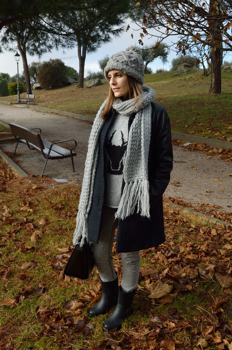 lara-vazquez-madlula-grery-beanie-streetstyle-casual-look-outfit